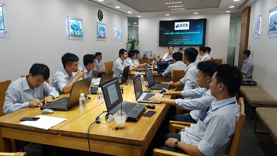 Đào tạo tại văn phòng Kata
